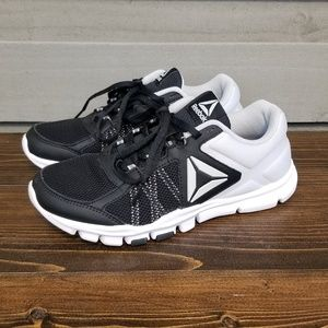 Reebok Black White Sneakers Athletic Shoes (7)